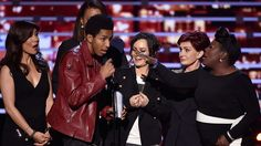 Stage Crasher Wants Sharon Osbourne to Take Him to Cheesecake Factory