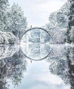 This bridge is like something from a storybook. | Photo: @jacob @beautifuldestinations #regram #travelgram