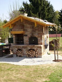 Gartengrill -Bauanleitung The post Grill Backofen Räucherofen Pizzaof. Gartengrill -Bauanleitung appeared first on aubenkuche. Wood Fired Oven, Wood Fired Pizza, Pizza Oven Outdoor, Outdoor Cooking, Barbecue Four A Pizza, Stone Pizza Oven, Bbq Catering, Bread Oven, Smokehouse