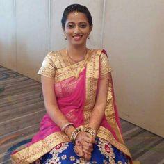 Beautiful Indian Actress, Beautiful Women, Nice Pick, Marathi Bride, Cool Picks, Glamorous Makeup, Half Saree, Indian Sarees, Indian Outfits