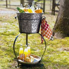 How refreshing! Put drinks over ice in our black-etched, floral-patterned Graymont Party Bucket with Stand. You'll love the built-in towel bar and lower shelf, perfect for storing extra drinks. Wine Cart, Willow House, Trendy Bar, Bar Cart Decor, Southern Living Homes, Food Crush, Diy Bar, Party Entertainment, Host A Party