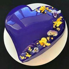 Peaceful Ocean Sea Blue  Cake, Lovely Heart Shaped Cake.