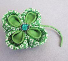 Kanzashi style clover pin