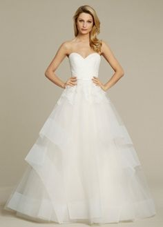 Sweetheart Princess/Ball Gown Wedding Dress  with Natural Waist in Tulle. Bridal Gown Style Number:33209784