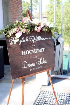 rustikal romantisches Willkommensschild/Hochzeitsschild mit zarter Blumendeko ... rustic romantic wedding sign/welcome sign with pink floral decor