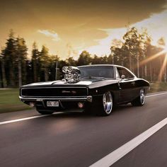 1968 Dodge Charger - Autopistas y carreteras & Roads and Interstates Hwys - cars classic 1968 Dodge Charger, Dodge Muscle Cars, Us Cars, American Muscle Cars, Amazing Cars, Custom Cars, Cool Cars, Dream Cars, Classic Cars