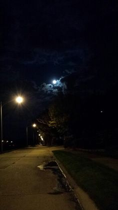 October full moon illuminated in sky, street lamps and puddle on neighborhood street Foto Instagram, Instagram Story Ideas, Dark Photography, Night Photography, Profile Pictures Instagram, Snapchat Picture, Night Vibes, Night Aesthetic, Fake Photo