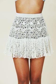 http://crochetemoda.blogspot.com/2013/01/saia-branca-de-crochet-iii.html