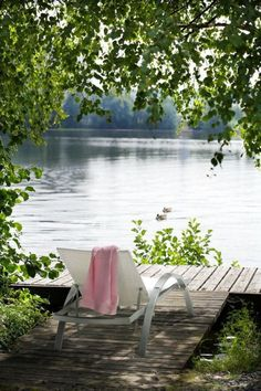 Serenity Boardwalk beside lake. Lakeside Living, Outdoor Living, Lakeside View, Peaceful Places, Beautiful Places, Lake Cottage, Cottage Living, Country Living, Exterior