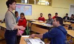 التلاميذ ذوي الأصول الأجنبية يمثلون ثلث إجمالي…: قال مكتب الإحصاء الألماني إن التلاميذ ذوي الأصول الأجنبية أصبحوا يمثلون ثلث إجمالي…