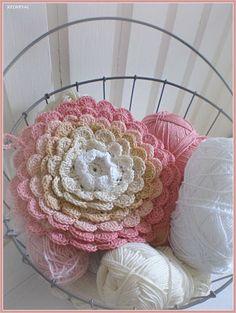 Beautiful Flower Pillow in progress!