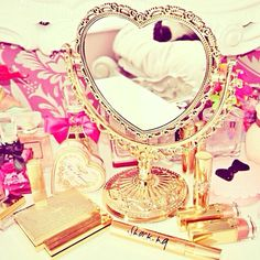 beautiful golden mirror.. omg