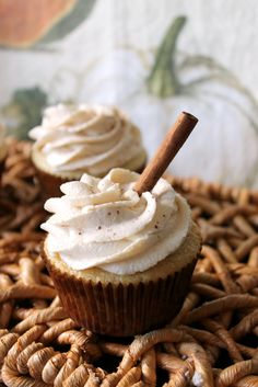 Vanilla Cupcakes with Caramel Pear Butter Filling