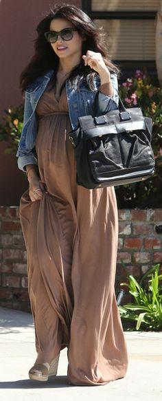 Who made Jenna Dewan-Tatum's denim jacket and black handbag? Maternity Wear, Maternity Fashion, Maternity Dresses, Maternity Style, Brown Maxi Dresses, Girls Maxi Dresses, Baby Bump Style, Mom Style, Pregnancy Outfits