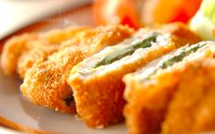 大葉とチーズの相性抜群! お弁当にもぴったりな、チーズインポークカツ - モデルプレス