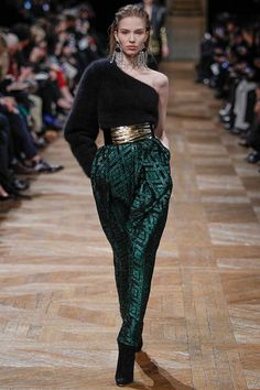 BALMAIN Fall Winter 2013/2014 - Paris Fashion Week