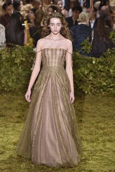 Christian Dior Spring 2017 Couture Collection - Fashion Unfiltered