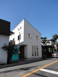 Windows house at 横浜市港北区  http://smatan.jp/sc/ad:108.tp:2.html