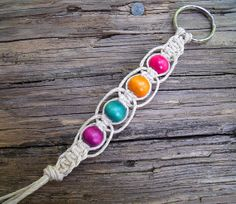 Items similar to Natural Colored Hemp Keychain with Multi-Colored Beads on Etsy Rope Jewelry, Hippie Jewelry, Macrame Jewelry, Macrame Bracelets, Wire Wrapped Jewelry, Jewelry Crafts, Jewelery, Bracelet Fil, Bracelet Making