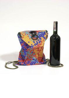 TrangelBag / Wine Packaging by Lisa Rammensee, via Behance Wine Packaging, Company Ideas, Dangles, Lisa, Goodies, Behance, Bottle, Sweet Like Candy, Gummi Candy