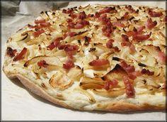 En Alsacia, región vitícola que destaca especialmente por sus blancos, una de las especialidades culinarias más populares es la tarta flambée.