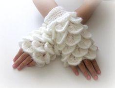 http://wanelo.com/p/301500/fingerless-gloves--white-trendy-girly-teenie-by-iovelycrochet