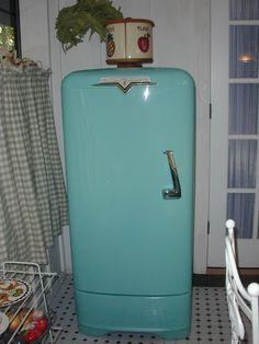 Vintage Crosley Shelvador Refrigerator In Working