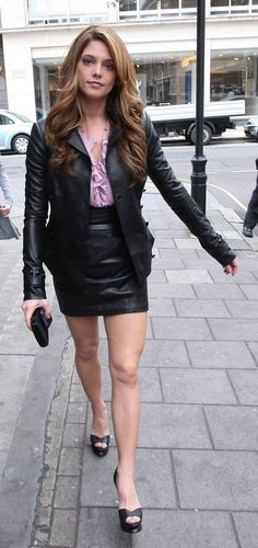 Fashion Trend: How To Wear Leather With Class! Hipster Outfits, Sexy Outfits, Cute Outfits, Latex, Nice Dresses, Short Dresses, Leather Fashion, Leather Outfits, Leather Skirts