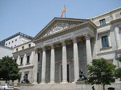 los procuradores ofrecen gran aporte al PIB y al empleo en España