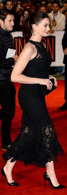 Anne Hathaway_high heels