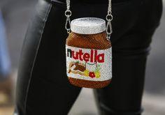 Street style muito divertido ao mesmo tempo na moda !!! Tá linda ! Nutella , muito fofa!?