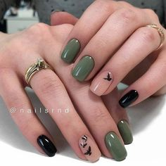 Image about girl in Nails / Nail Polish / Vernis / Manicure by Mouna DramaQueen Stylish Nails, Trendy Nails, Cute Nails, Cute Fall Nails, Almond Shape Nails, Almond Nails, Green Nails, Pink Nails, Periwinkle Nails