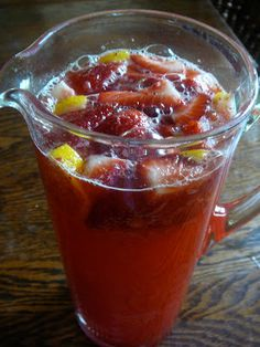 The Hidden Pantry: Strawberry Lemonade and CROCK POT MAC AND CHEESE....LOOK ON THE SITE.