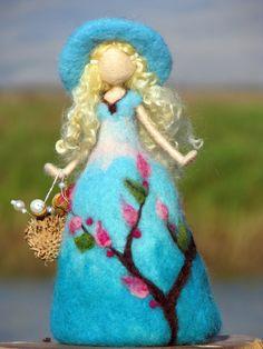 Waldorf inspirierte Nadel Gefilzte Rose Puppe Art von Made4uByMagic