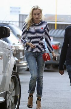 Diane Kruger ... Comme des Garcons Play tee-shirt, Chanel lego bag // Source: lacooletchic