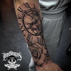 Compass Date of 2 boys birth in roman numeric around it Bild Tattoos, Love Tattoos, Black Tattoos, New Tattoos, Tattoos For Guys, Tatoos, Pocket Watch Tattoos, Best Sleeve Tattoos, Tattoo Sleeve Designs
