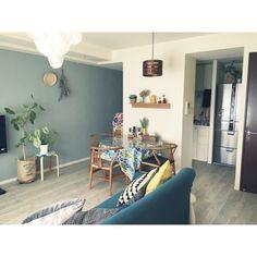 naoさんの、机,観葉植物,IKEA,北欧,壁紙屋本舗,カメラマークが出たので,北欧ファブリック,Yチェアー,ブルーグレーの壁,NO GREEN NO LIFE!,のお部屋写真