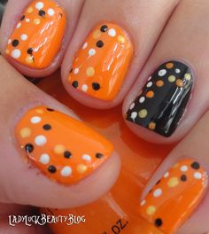 Today we have 30 of the Best Fall Nail Art Designs! Nail Art is our favorite but fall nail art is even better! We love the fall season and really love the color choices that these lovely nails utilize to create the vibe. Fancy Nails, Love Nails, How To Do Nails, Pretty Nails, Halloween Nail Designs, Halloween Nail Art, Cute Nail Designs, Halloween Ideas, Funny Halloween