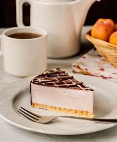 Russian Dessert - Ptichye Moloko Recipe (Bird's Milk) Птичье молоко Russian Desserts, Russian Recipes, Just Desserts, Delicious Desserts, Yummy Food, Baking Recipes, Cake Recipes, Dessert Recipes, Easy Cake Decorating