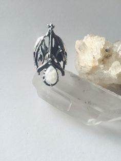 Drop armure Pierre de lune et argent anneau