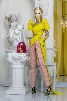 Resort 2019 LOOK 23 fashion set //Resort 2019 LOOK 23 fashion setResort 2019 LOOK 23 fashion setDoll Fashion only, Doll is NOT includedChoose an optionOutfits + EarringsOut 70s Fashion, Autumn Fashion, Fashion Dresses, Barbie Dress, Barbie Clothes, Fashion Royalty Dolls, Fashion Dolls, Vintage Barbie, Reborn Toddler Dolls