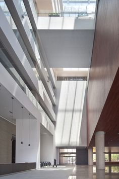 Gallery of The Second Headquarters of DAEGU BANK / JUNGLIM Architecture - 12