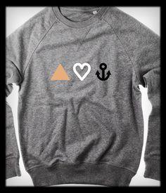 Sweatshirt »Glaube, Liebe, Hoffnung« aus Bio-Baumwolle mit Print in Kupfer, Weiß und Schwarz /// Metkes Concept Store /// Lindau i. Bodensee /// www.metkes.de