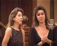 Romanian sisters Cristina Iordachescu (mezzosoprano) and her sister Irina Iordachescu (soprano) perform Offenbach's Barcarolle. Music Sing, Music Love, Opera Arias, European People, Mezzo Soprano, Two Sisters, Wedding Music, Music Therapy, Types Of Music