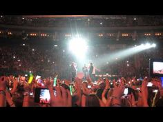 One Direction singing My Heart Will Go On (11.05.13 Berlin) - YouTube