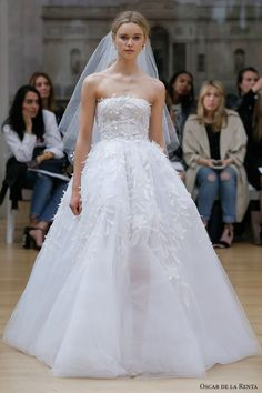 oscar de la renta spring 2018 bridal strapless straight across neckline heavily embellished bodice romantic princess ball gown wedding dress chapel train (20) mv  -- Oscar de la Renta Spring 2018 Wedding Dresses
