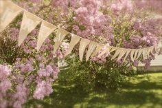 outdoor burlap wedding ideas   Spring Wedding Decorating Pictures Photograph   Beautiful Bu
