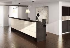 comp. GT10 #reception #ufficio in composizione lineare con doppia postazione divisa da tavolo dattilo.