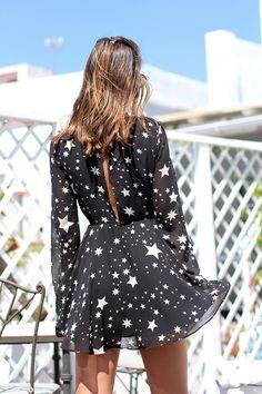 Star dress http://stylelovely.com/ladyaddict/2016/05/star-print-dress