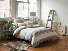 Achieve a relaxed and contemporary loft style apartment look with the Cotton House Xavier Quilt Cover Bedroom Loft, Home Bedroom, Modern Bedroom, Bedroom Decor, Master Bedroom, Bedroom Color Schemes, Bedroom Colors, Loft Style Apartments, Cotton House